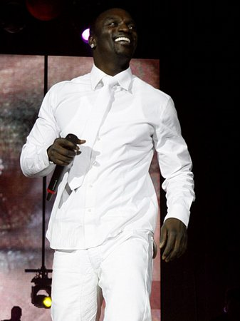 Akon - Jingle Bell Ball 2010