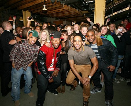 JLS live in London being mobbed by fans
