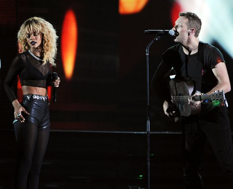 Rihanna and Coldplay plays Grammys