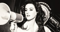 Katy Perry Shows Off Hollywood Glamour In New Ghd ...
