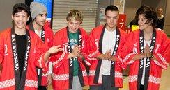 One Direction wear traditional Japanese kimonos