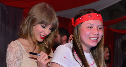 Taylor Swift meets fans