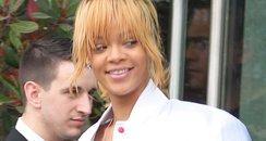 Rihanna wearing no make-up