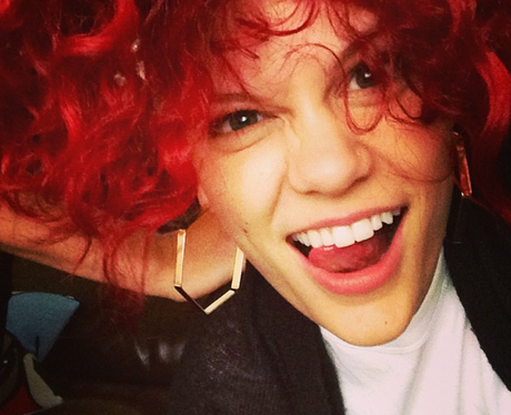 Jessie j with a red wig
