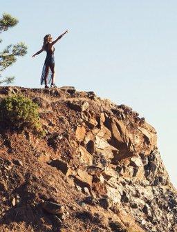 Cheryl Fernandez-Versini Selfie new music video