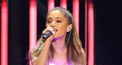 Ariana Grande CMA Awards 2014