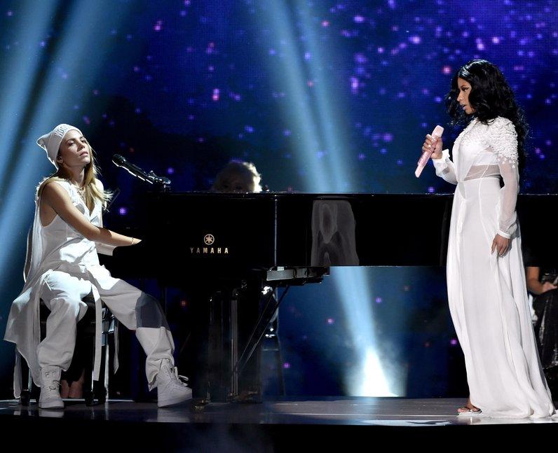 Skylar Grey and Nicki Minaj American Music Awards