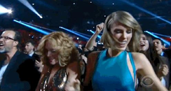 Taylor Swift Grammys Dancing 2015