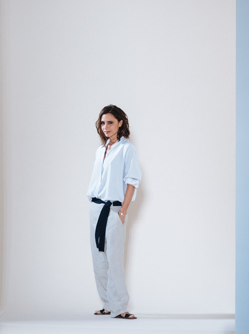 NYFW SS17 Victoria Beckham takes her bow